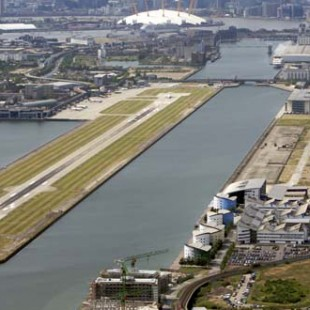 how to get from london city airport to central london