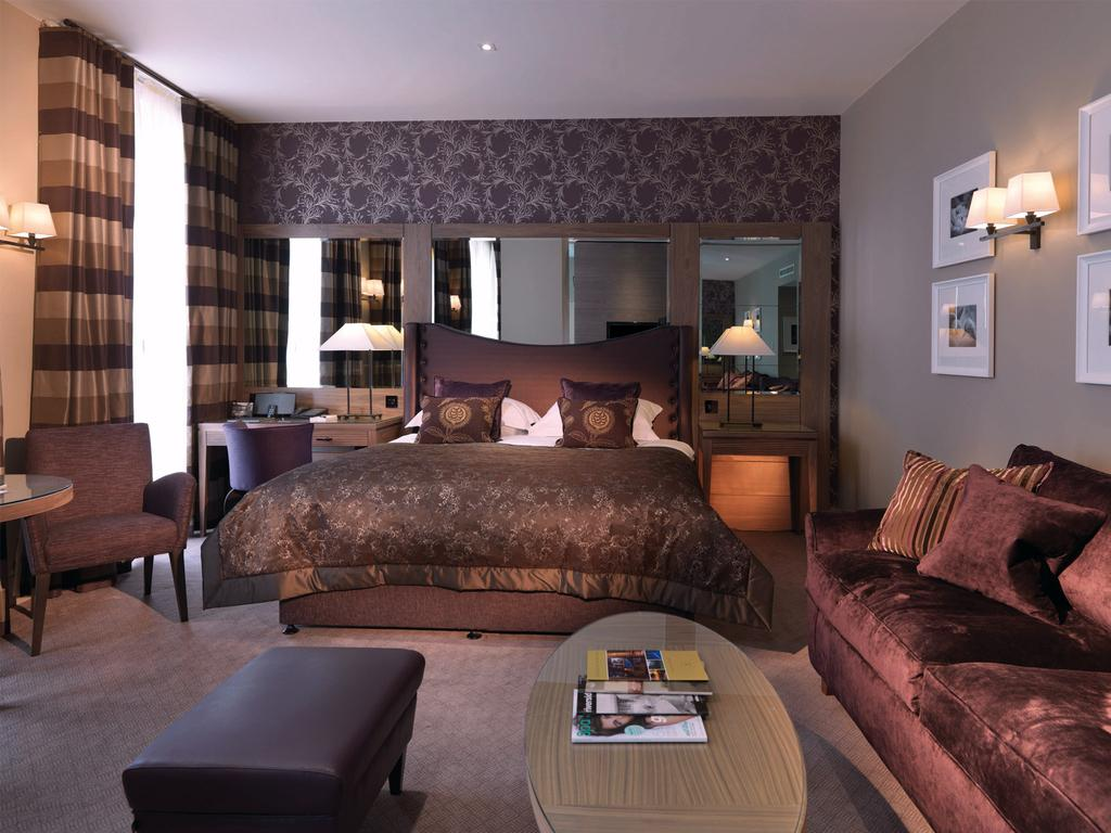 5 amazing hotels within 1 hour of london day out in london for Boutique hotels london trivago