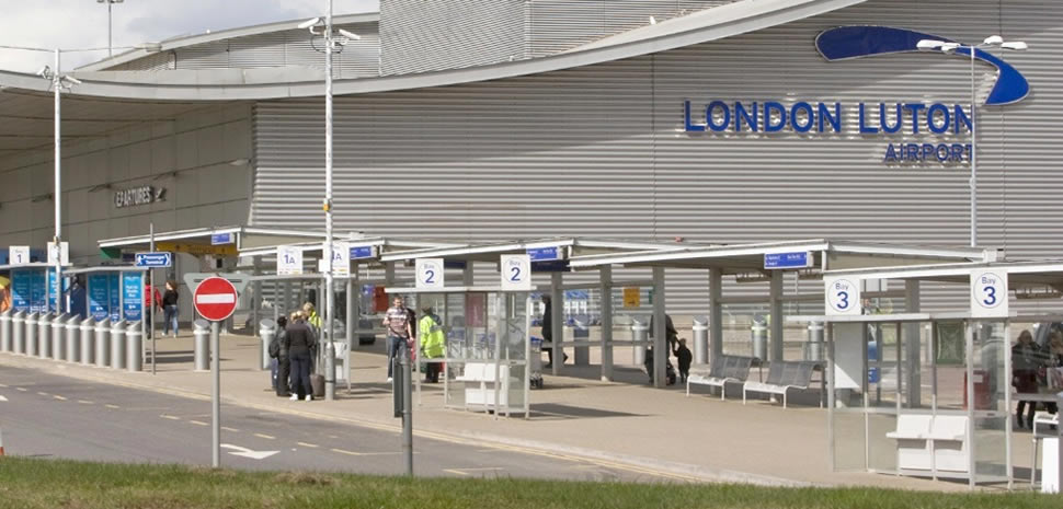 how to get to london from luton airport